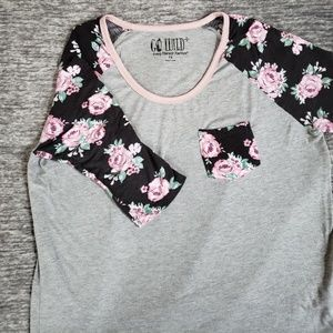 Floral t-shirt with pocket size 1X